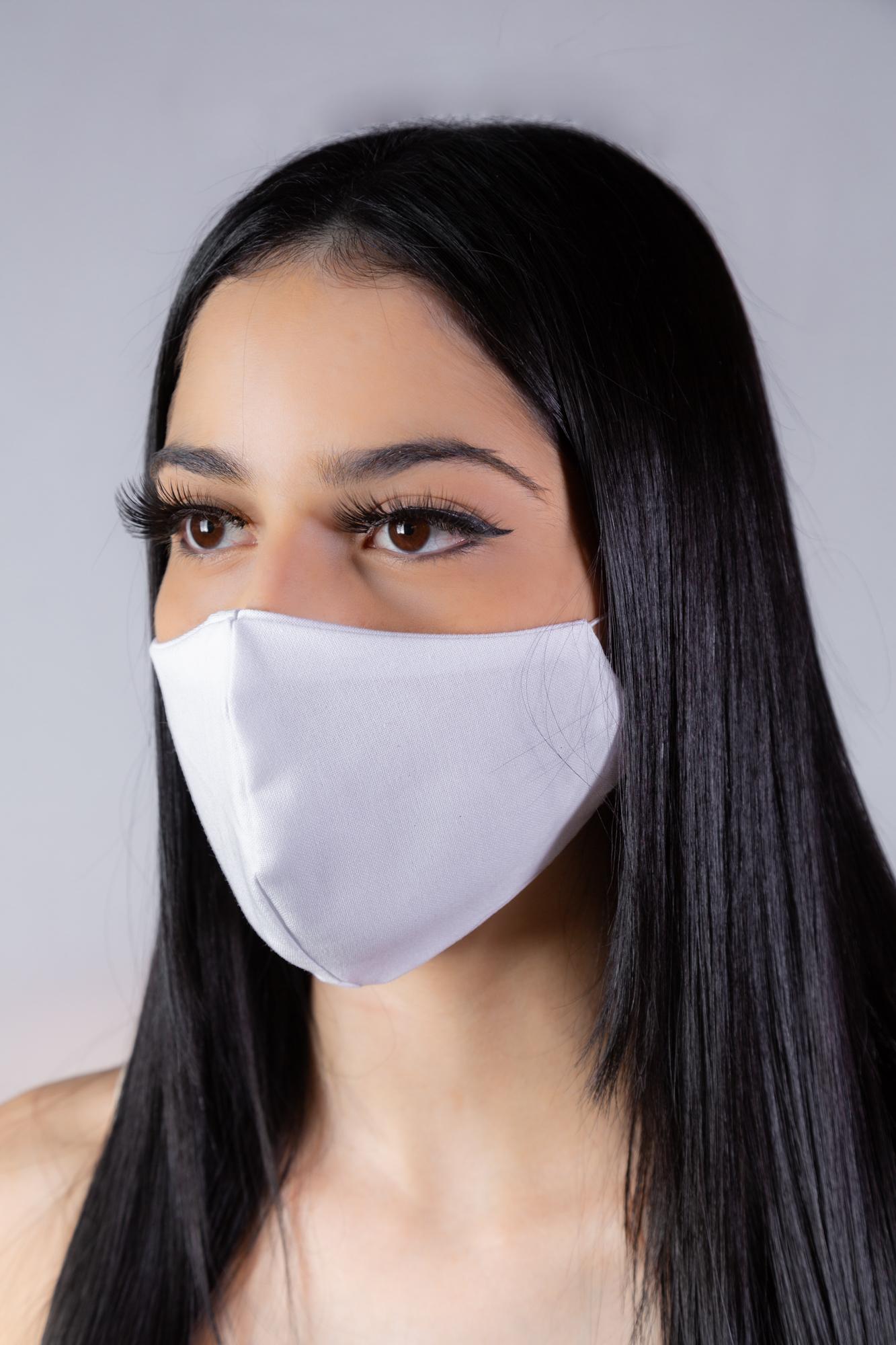 Máscara branca glitter - Atelier Fernanda Baião Alta Costura, Estilista Ubá e Juiz de Fora